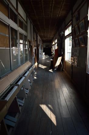 旧木沢小学校 廊下