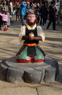 桃太郎神社 正面 サル