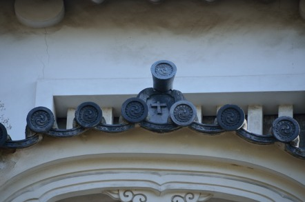 十字紋の鬼瓦