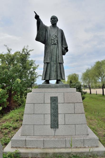 棚田嘉十郎翁像