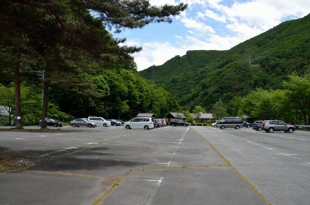 沢渡 足湯駐車場