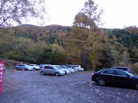 やまのこ村 駐車場