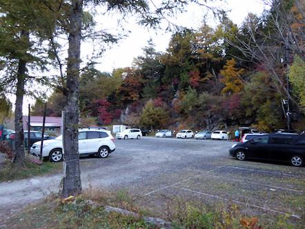 赤岳山荘 駐車場