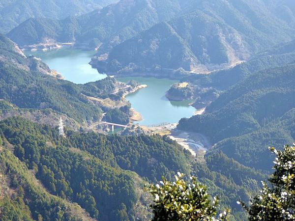 錫杖ヶ岳 山頂からの眺め 錫杖湖
